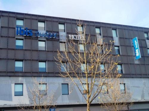 ibis budget Bordeaux Centre Bastide : Hotel near Floirac