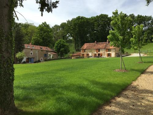La Ressource : Bed and Breakfast near Épineuil-le-Fleuriel