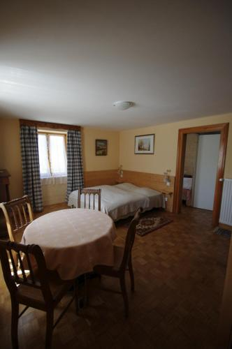Le Londenbach : Bed and Breakfast near Soultzeren