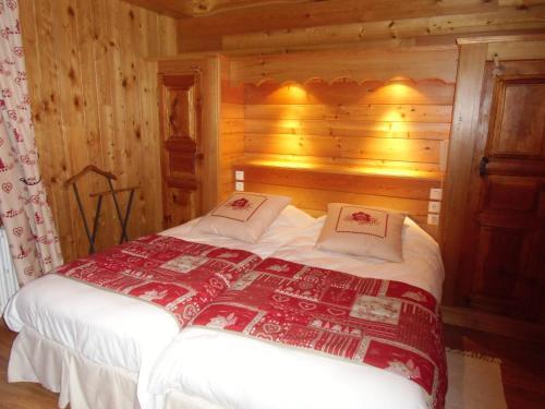 Auberge Aux 3 Frenes : Guest accommodation near Villar-d'Arêne