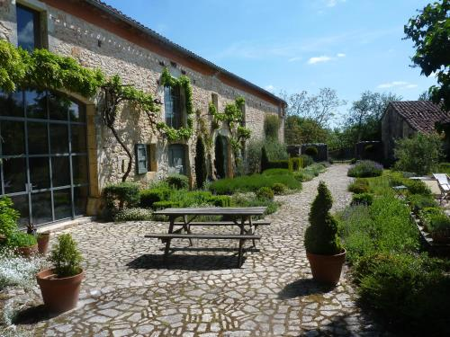 LA CLE d'ESCAMPS : Guest accommodation near Labastide-de-Penne