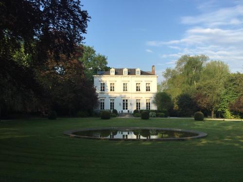 Château La Châtaigneraie : Guest accommodation near Comines