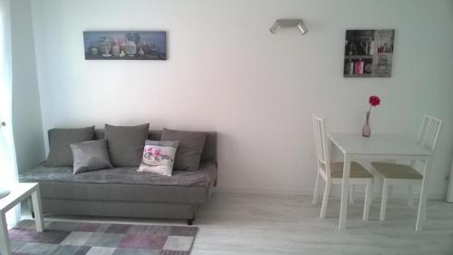Clos Chantegrive : Apartment near Le Haillan