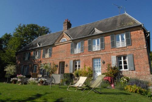 Les Chambres du Manoir de Guitry : Bed and Breakfast near Glos