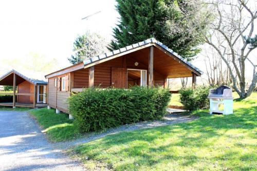 Chalet La Petite Fadette : Guest accommodation near Saint-Éloy-d'Allier