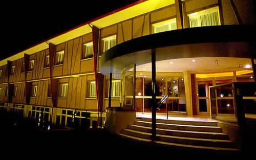 Hotel Le Saint Aubin : Hotel near Saint-Denis-le-Ferment
