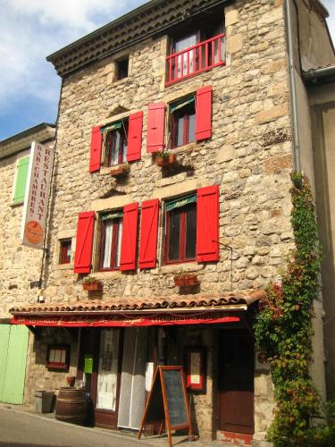 L'Auberge De Montpezat : Guest accommodation near Burzet