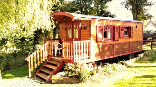 La Gypsy Caravan : Guest accommodation near Hannescamps