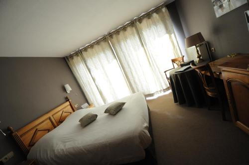 Hotel Restaurant Au Boeuf Rouge : Hotel near Forstheim