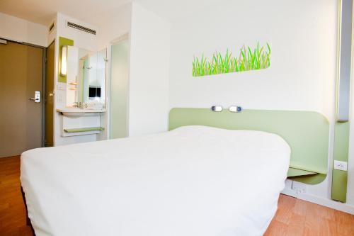 ibis budget Metz Technopole : Hotel near Mey