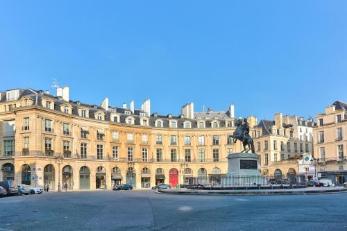 Luxury apartment on the Place des Victoires : Apartment near Paris 2e Arrondissement