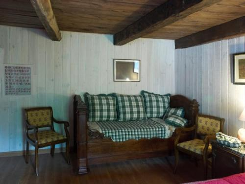Le Lys de la Vallée : Bed and Breakfast near Laviolle