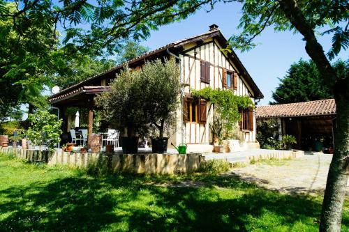 Jouéou : Guest accommodation near Tudelle