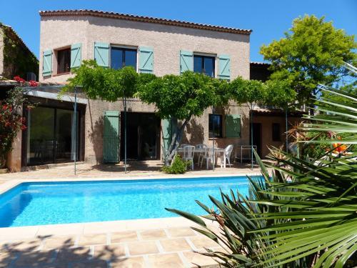 Maison provençale piscine et plages : Guest accommodation near Le Pradet