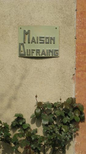 Maison Dufraing : Guest accommodation near Montbernard