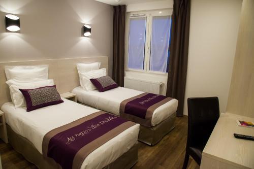 Hotel The Originals Dreux Ouest Le Relais des Carnutes (ex Inter-Hotel) : Hotel near Charpont