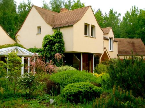 B&B Victoria : Bed and Breakfast near Noisy-sur-École
