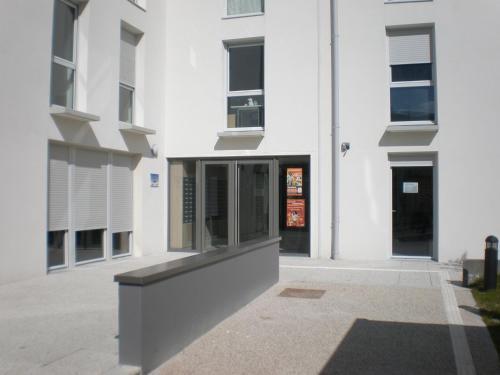 Résidence Hôtelière Laudine : Residence near Saint-Étienne-à-Arnes