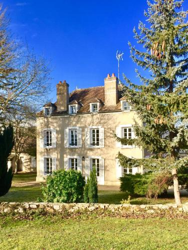BeauManoir : Bed and Breakfast near Thoury-Férottes