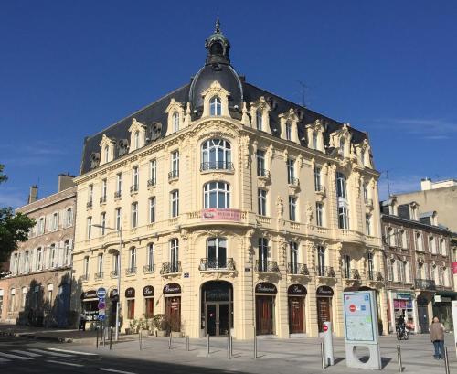 Le Carlton : Hotel near Lamotte-Brebière