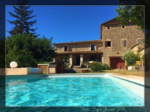 Le Mas Neuf des Greses : Bed and Breakfast near Cannes-et-Clairan