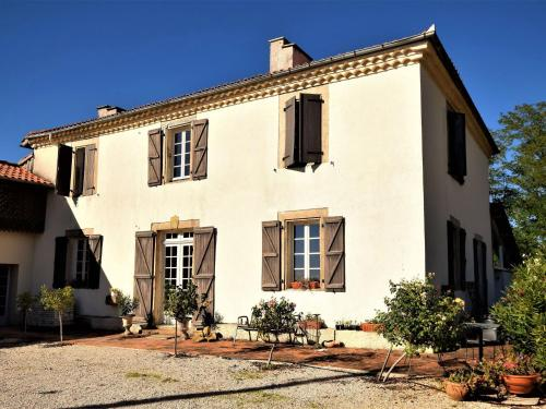 Maison Et Studio Haut De La Colline : Guest accommodation near Fabas