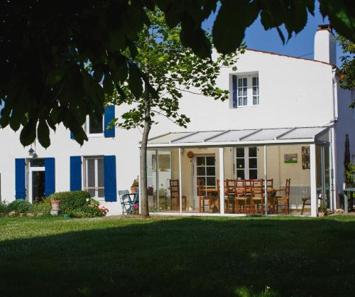Cynlyns Le Ruisseau dans Le Marais : Bed and Breakfast near Saint-Julien-de-l'Escap