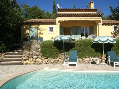 Maison De Vacances - Saint-Paul-En-Foret : Guest accommodation near Saint-Paul-en-Forêt