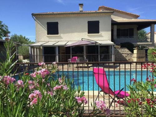 Holiday home St Chaptes : Guest accommodation near Castelnau-Valence