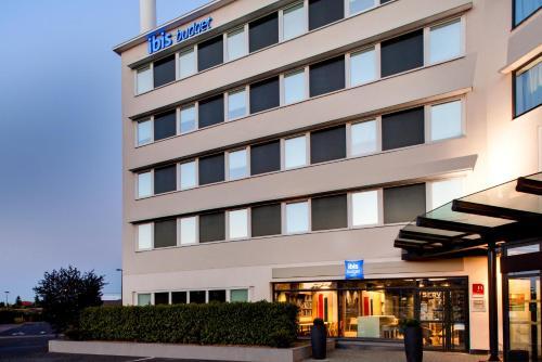 ibis Budget Clermont Ferrand Centre Montferrand : Hotel near Busséol