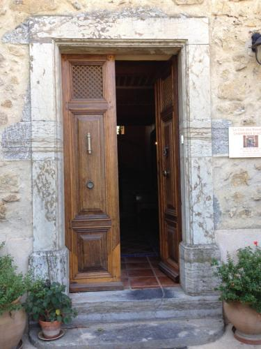 Le Clos Des Rosalines : Bed and Breakfast near Embres-et-Castelmaure