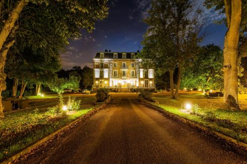Logis le Manoir de Sauvegrain : Hotel near Choisel