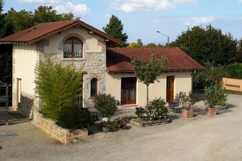 Chambres d'Hôtes Grange Carrée : Bed and Breakfast near Lent