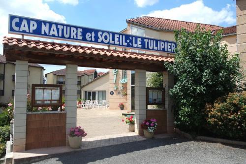 Hôtel Le Tulipier : Hotel near Viviez