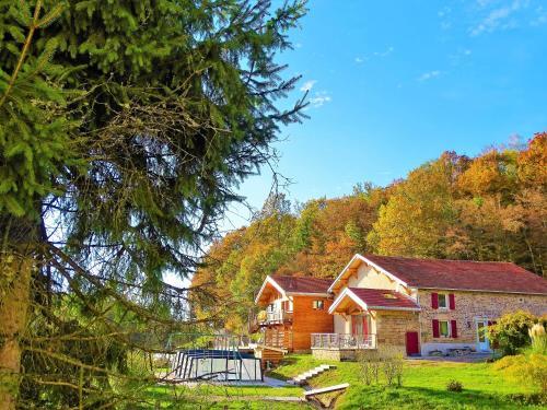 Maison de Vacances Au Clair de Lune : Guest accommodation near Épinal
