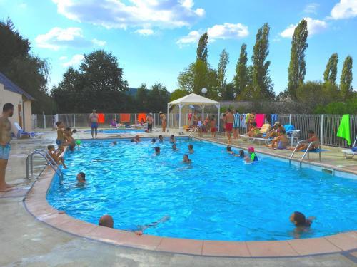 Aux Portes des Monts d'Aubrac : Guest accommodation near Estaing