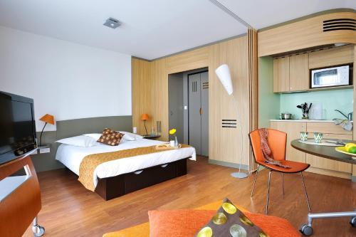 Aparthotel Adagio Nantes Centre : Guest accommodation near Nantes