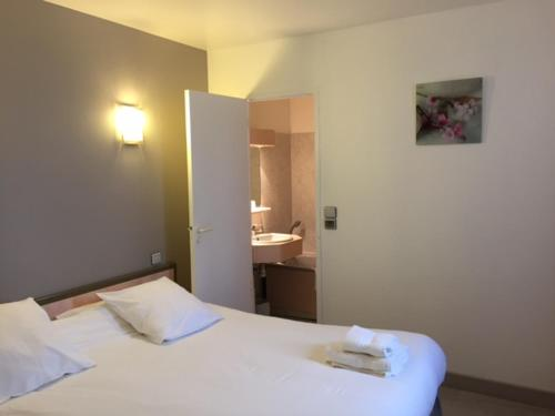 Florotel : Hotel near Saint-Remy-sous-Broyes