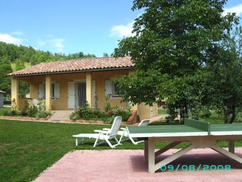 Gîte chez Bernard et Evelyne : Guest accommodation near Comus
