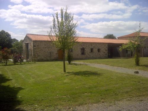Gite La Gentilhommiere : Guest accommodation near Combrand