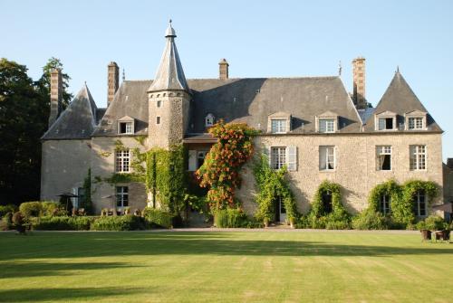 Château de Saint Paterne : Hotel near Doucelles