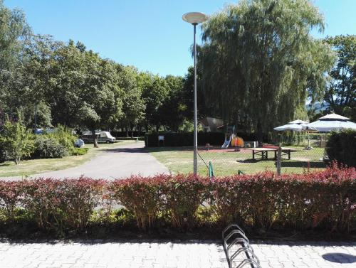 Camping de la Porte d'Arroux : Guest accommodation near Igornay