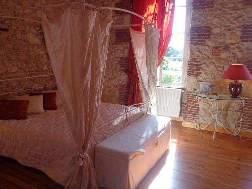 Domaine de Paguy : Bed and Breakfast near Allons