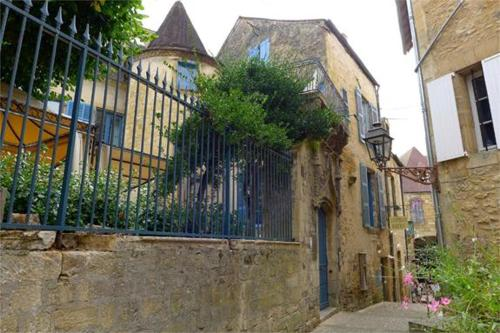 Les Chambres du Manoir : Bed and Breakfast near Saint-André-d'Allas