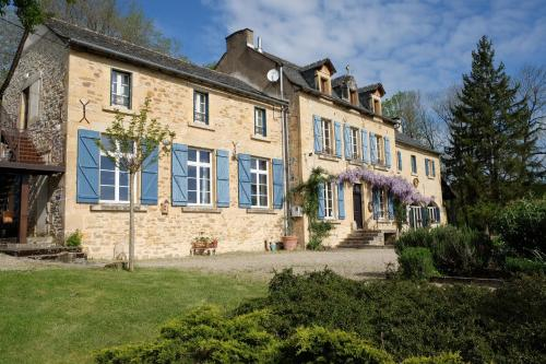 Le Couvent de Neuviale : Bed and Breakfast near Morlhon-le-Haut