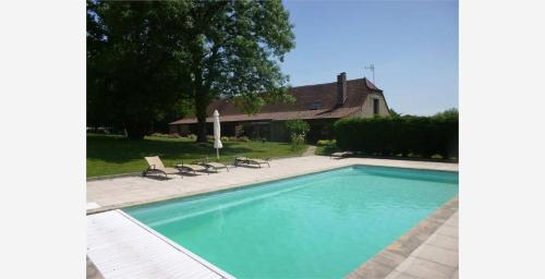 La ferme d'aristide : Bed and Breakfast near Montcony