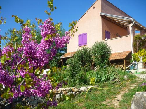Le gite de Cristal proche Bugarach : Guest accommodation near Saint-Just-et-le-Bézu
