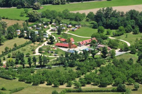 Camping Padimadour : Guest accommodation near Lavergne