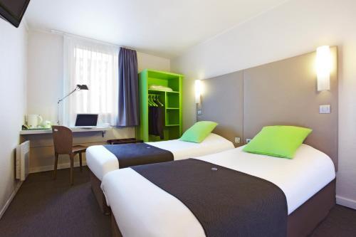 Campanile Saint-Quentin-En-Yvelines : Hotel near Neauphle-le-Vieux