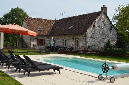 La Ferme Du Chateau : Bed and Breakfast near Limoise